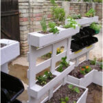 Recycled vertical garden of pallets. A renovated classic.